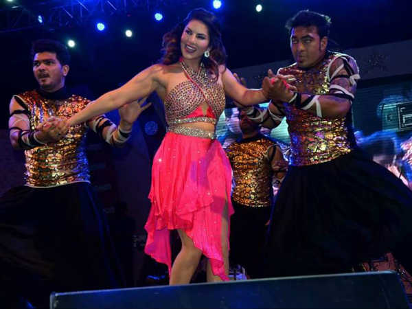 Patna people goes angry over Sunny Leone