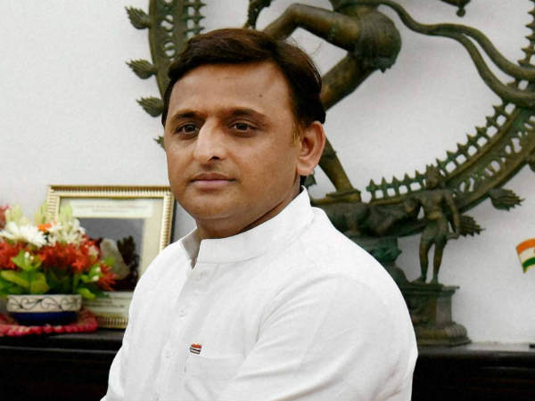 CM Akhilesh Yadav calls the girls to meet who wrote letter to him with blood