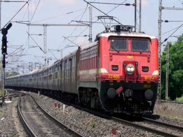 Engine with three Coaches Separated From Mumbai-Bound Train, Run For A Distance