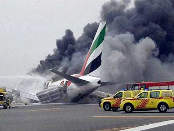 emirates crash landing