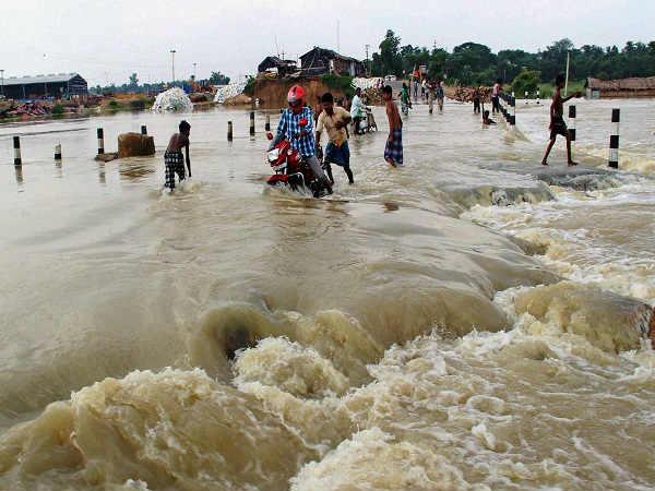 बाढ़ से भयावह स्थिति: प्रभावित ...