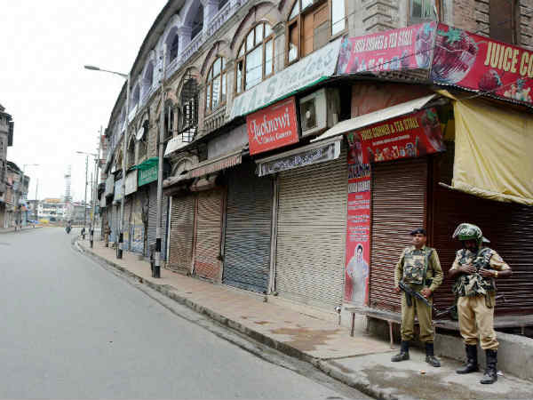 #KashmirUnrest:घाटी में कर्फ्यू के 50 दिन पूरे, जानिए टाइमलाइन