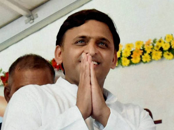 Akhilesh Yadav reaches to saints for next assembly poll