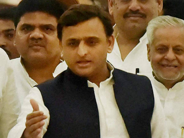 Akhilesh Yadav says he will come by metro to present his next budget