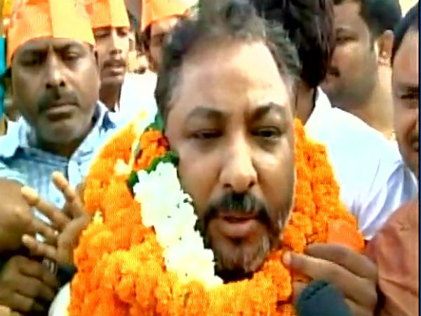 Expelled BJP leader Dayashankar who was granted bail yesterday, released from Mau district jail.