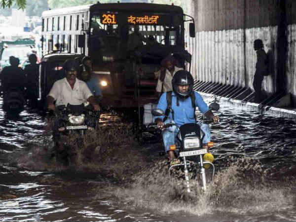 Alert: अगले दो दिनों तक भी होगी दिल्ली-एनसीआर में भारी बारिश
