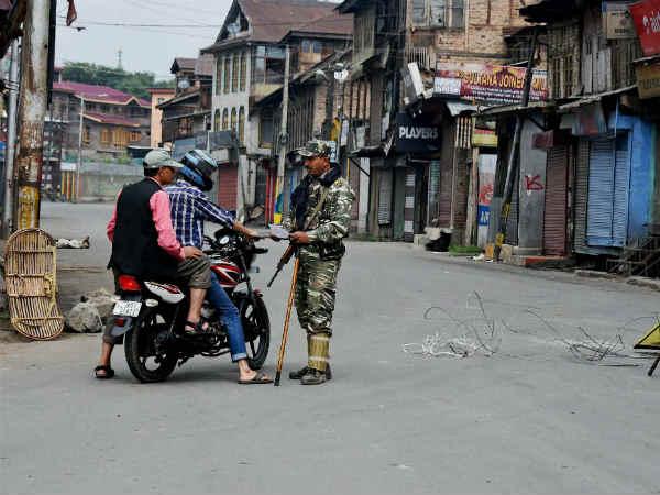 कैसे कैलेंडर के जरिए कश्मीर का माहौल खराब कर रहा हुर्रियत