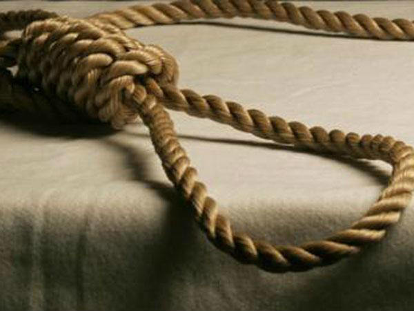 Man commit suicide at police station in Kanpur local gets agitated