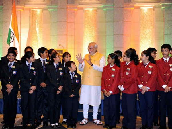 modi with student