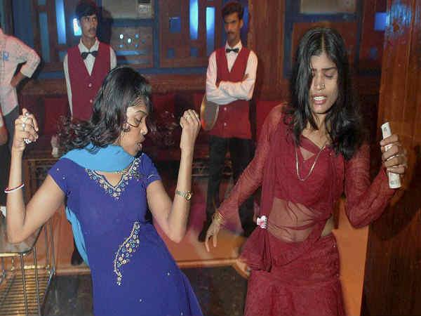 महाराष्ट्र में डांस बार के कानून पर सुप्रीम कोर्ट ने जारी किया नोटिस, मांगा जवाब