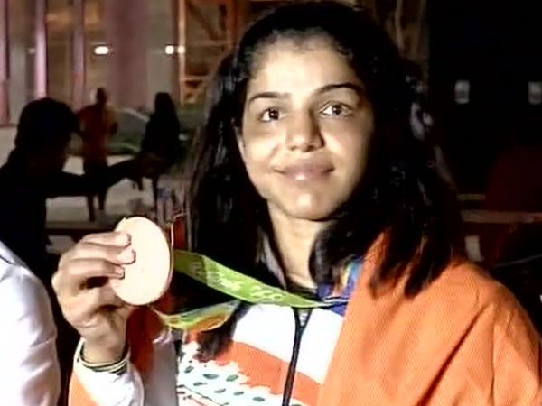 Diamond necklaces for Rio Olympics medallists PV Sindhu and Sakshi Malik