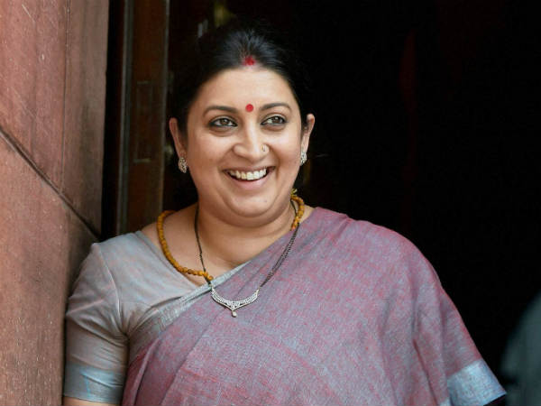 Smriti Irani to visit Siachin to meet soldiers on Rakshabandhan