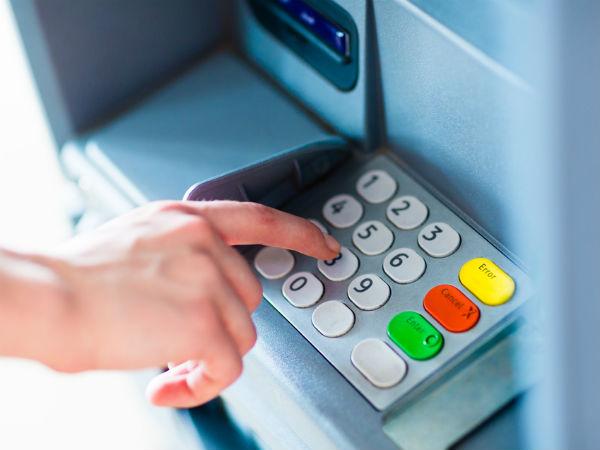 Image result for जाने कैसे होती है ATM कार्ड से ठगी