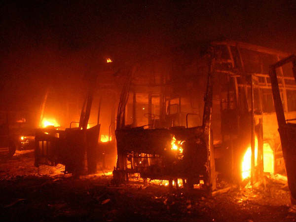 Woman arsonist set afire 42 buses for biryani & Rs 100