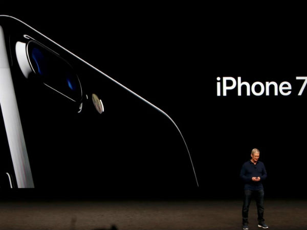 apple iPhone 7 'strange hissing sound' reports.