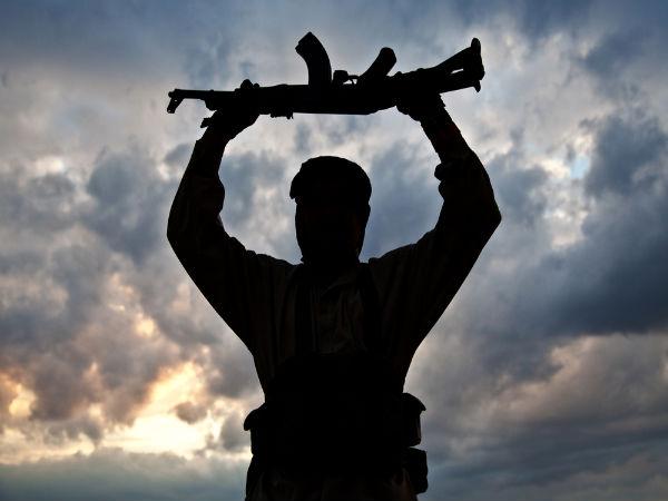 <strong>सर्जिकल स्ट्राइक से पहले ही 250 से ज्यादा आतंकी कर चुके हैं कश्मीर में घुसपैठ: MEA सूत्र</strong>