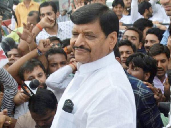 Youth leaders write resignation from their blood in protest of Shivpal action