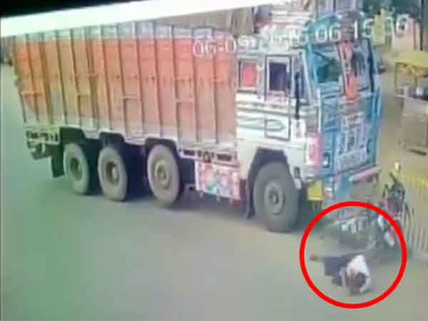 Truck crushes bikers in Hyderabad