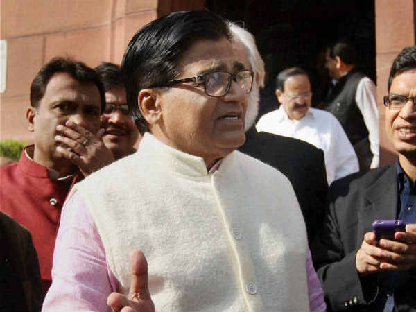Ashu Malik targets ramgopal yadav for controversy in sp