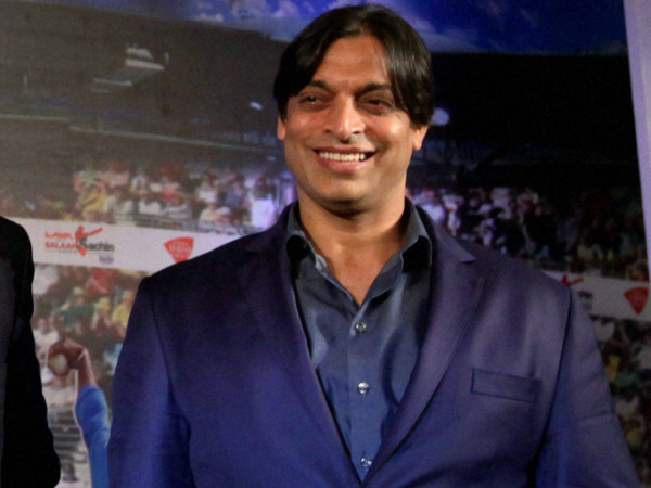 Video: Shoaib Akhtar's tweet in wrong English goes viral