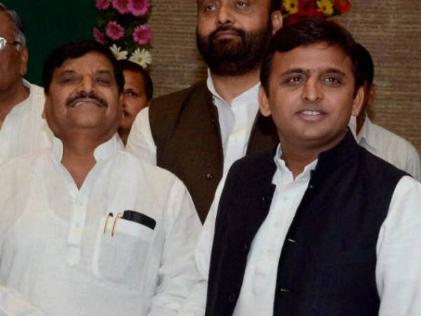 How BJP is playing key role in the feud of Samajwadi party