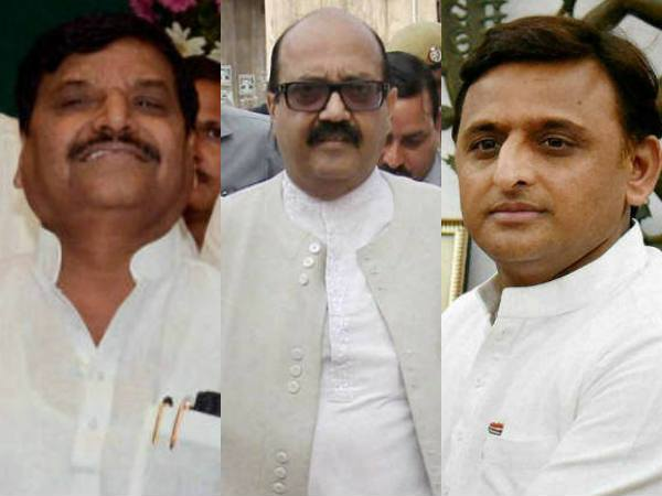 Akhilesh Yadav vs Shivpal Singh: Amar Singh's brother Arvind Singh turns against him