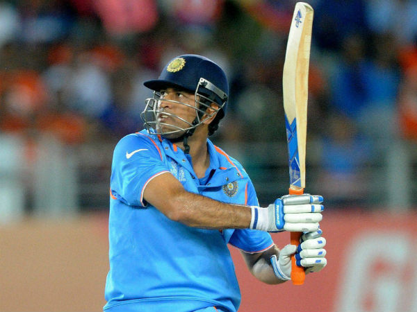 Captain Dhoni breaks Sachin Tendulkar's record of 195 sixes in ODIs