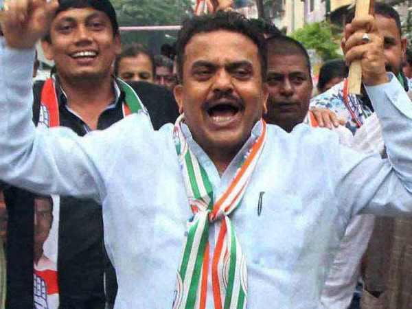 कांग्रेस ने जारी की 26 उम्मीदवारों की एक और लिस्ट, संजय निरुपम को मुंबई नॉर्थ वेस्ट से मिला टिकट