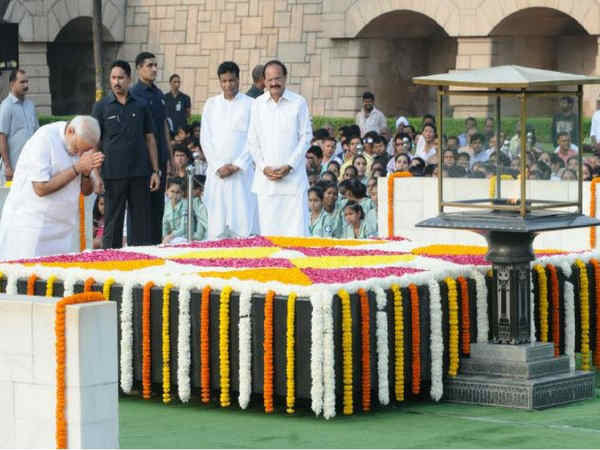 Gandhi Jayanti: PM Modi, President Mukherjee pay homage to 'Father of the Nation' and lal bahadur shastri at Rajghat and vijay ghat.