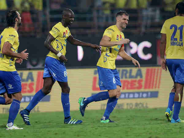 KeralaBlasters climb up the semifinal after a win against FC Pune