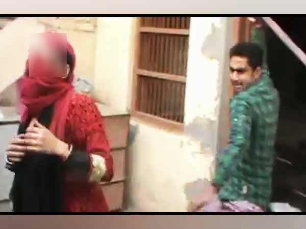 Couple is brutally beaten at Bulandshahr