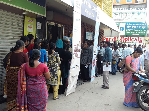 Govt analyses cash deposits, loan repayments in last 10 days of demonetisation