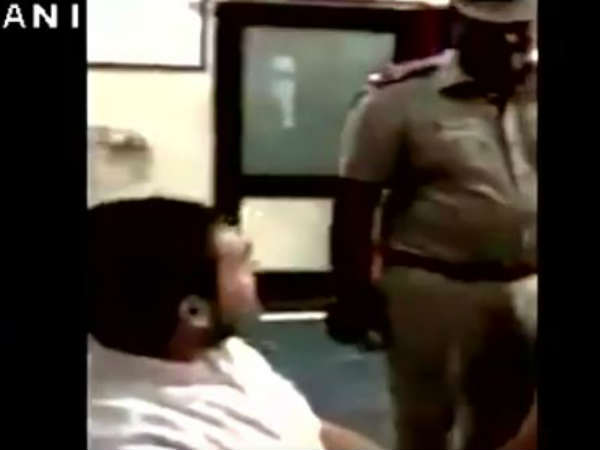 Rahul Gandhi and policeman had words with each other in police station, watch in Video