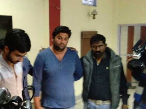Crime Branch arrested 2 men who provided illegal exchange of currency