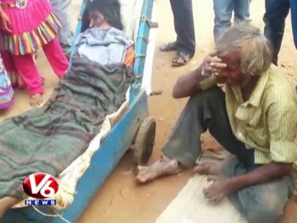 No money for ambulance, Hyderabad beggar carries wife's dead body for 60 km in a pushcart