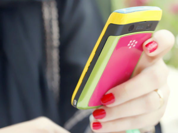 Indian Women Like Mobile More Than Husband says New Report