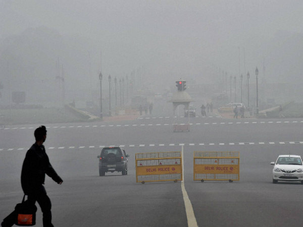 #DelhiFog 34 trains running late, 7 rescheduled as foggy weather affects train services.