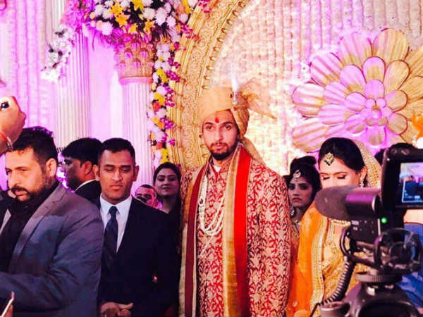 MS Dhoni, Yuvraj Singh at Ishant Sharma and Pratima Singh's wedding