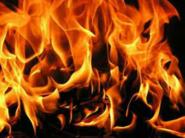Kerala: After facing rejection, jilted lover sets himself, girl on fire