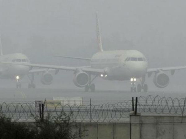 #DelhiFog 3 International flights delayed, 1 domestic flight from/to Delhi cancelled due to foggy weather