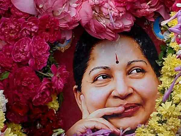 Jayalalithaa's relatives re-perform last rites as per Hindu customs for her 'moksha'