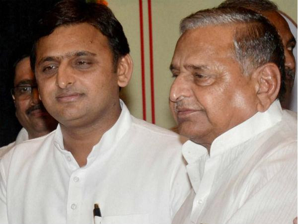 SP War: Akhilesh meets Mulayam, is another patch up on the cards?