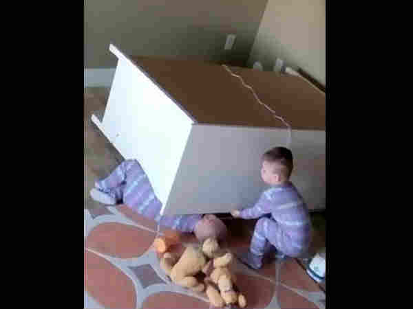 Watch how toddler save his twin brother from being crushed by a falling dresser