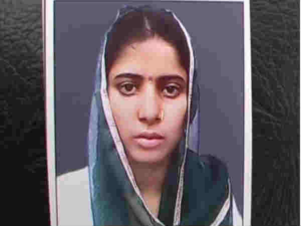 Traffic Police Constable Kidnapped Women Agra
