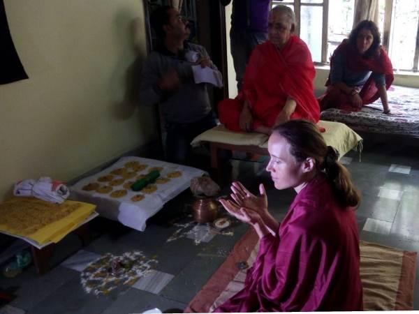 Russian Actress Learn Tantrism In Varanasi