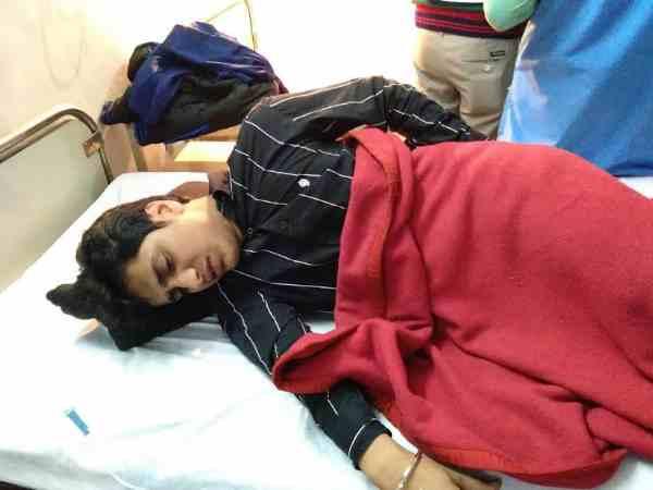 Dacoit Robbed Businessman Injured 5 People Meerut
