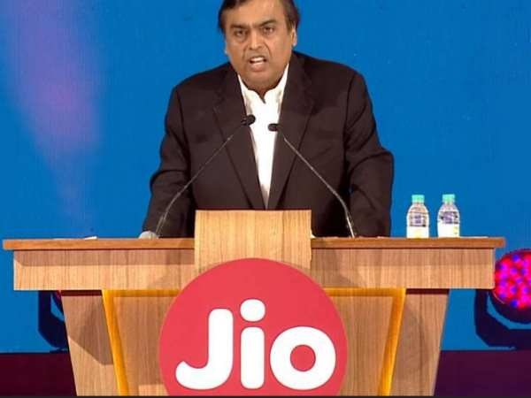 Jio posts Rs 271cr loss in Q2 in aggressive pricing war