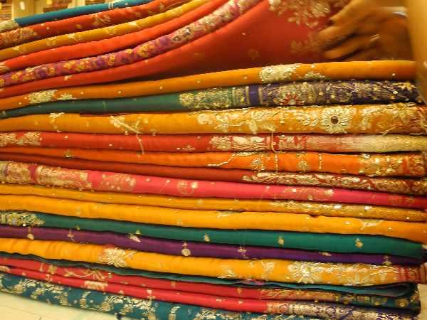 Chaos At Varanasi Shop That Offered A Saree For Rs 1