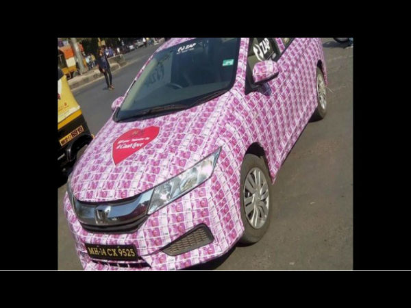 Lover Decorates Car With Rs 2000 Notes For his Girlfriend On Valentine's Day