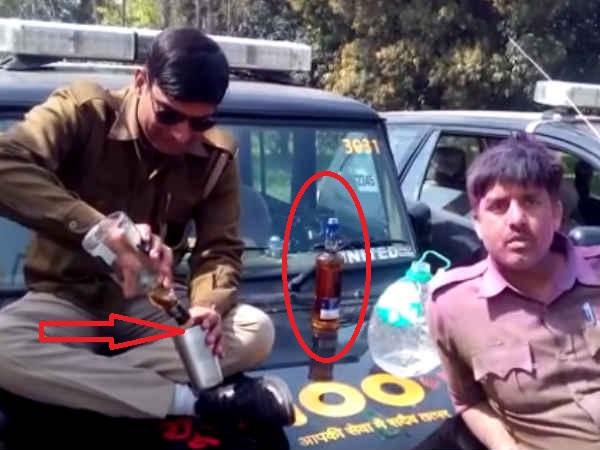 <strong>Read more: VIDEO: डायल 100 की गाड़ी पर सजा मयखाना, पुलिसवालों ने जमकर पी शराब</strong>
